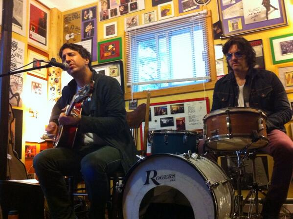 Joseph Arthur (with Russell Simins) - Rickks Room, Wentworth-Nord, QC, Canada (31 August 2013) - Photo:Trevor Alguire