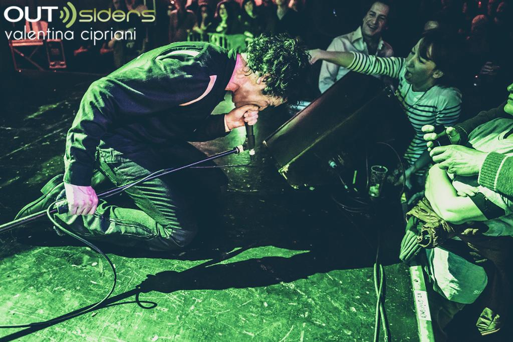http://www.outsidersmusica.it/recensione/London/le-foto-dei-jon-spencer-blues-explosion-vowland-baby-carla-flog-firenze/